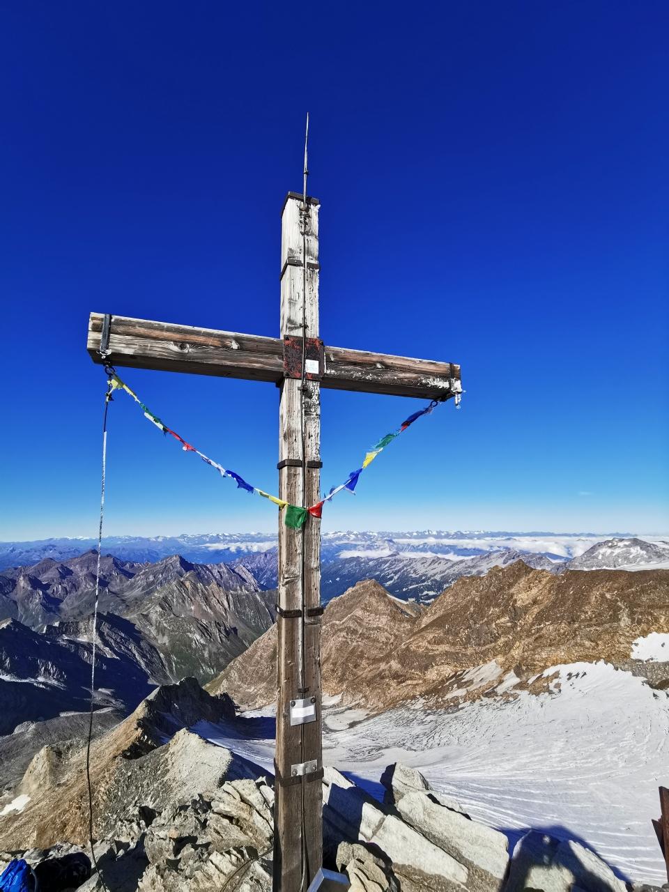 Am Gipfel des Hochfeiler auf 3.510m