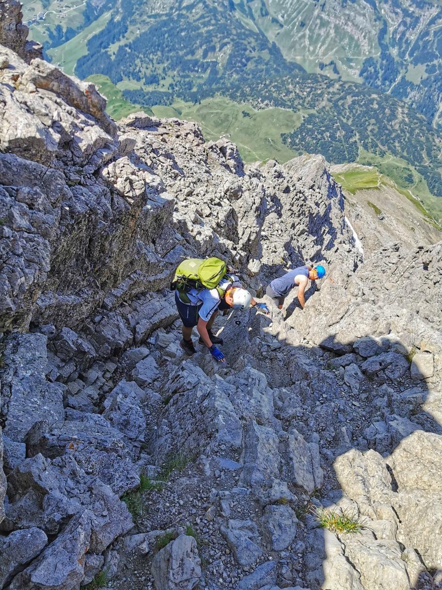 Kletterei beim Abstieg vom Biberkopf