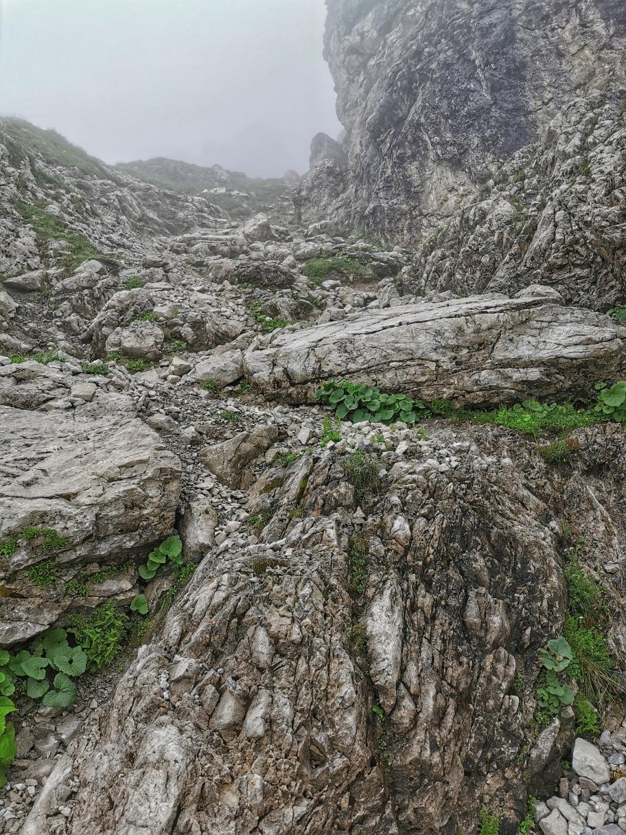 Wenig Sicht beim Aufstieg zum Gipfel