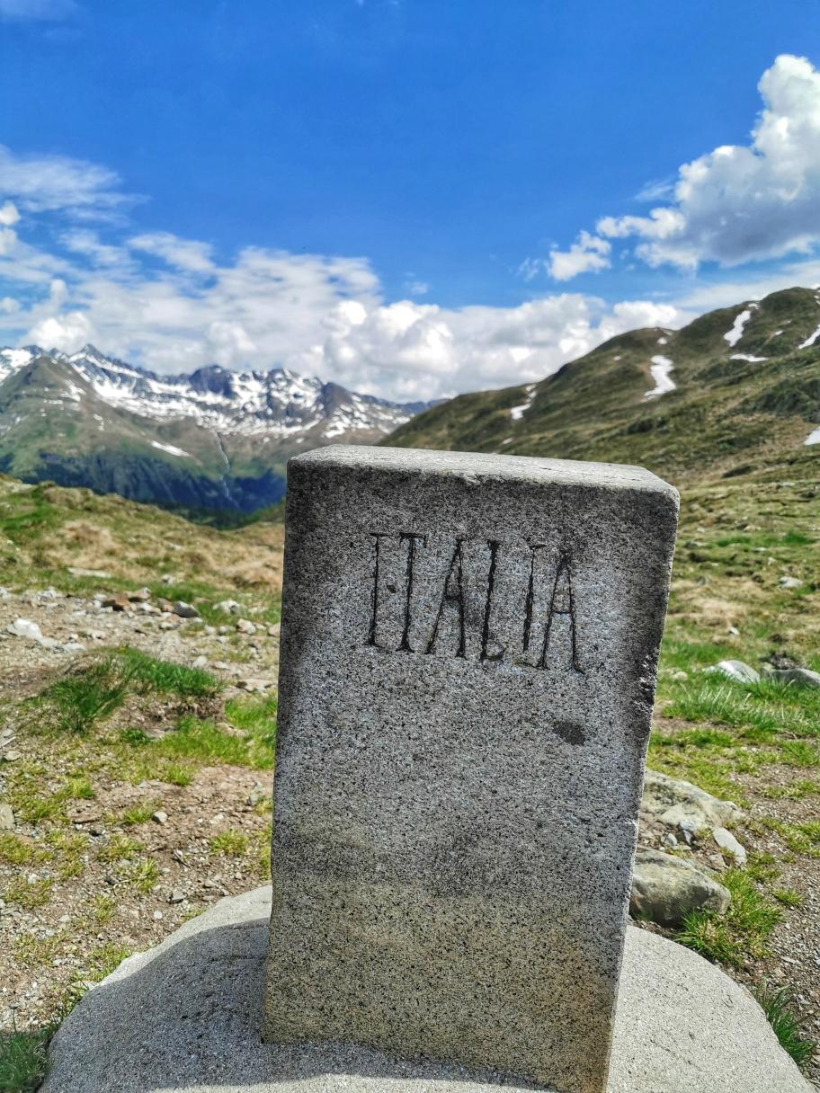 Grenzstein zwischen Italien und Österreich