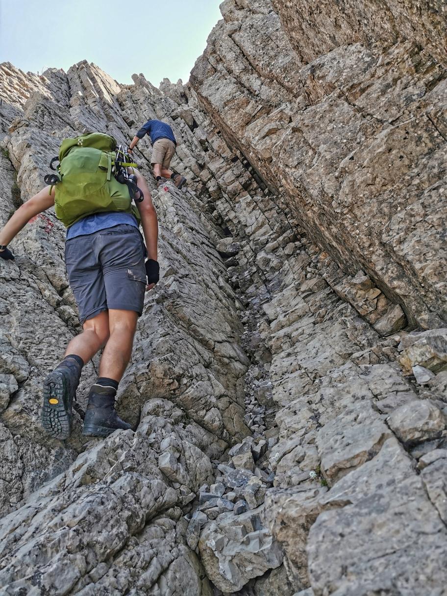 Kletterei unterhalb des Gipfels des Biberkopf