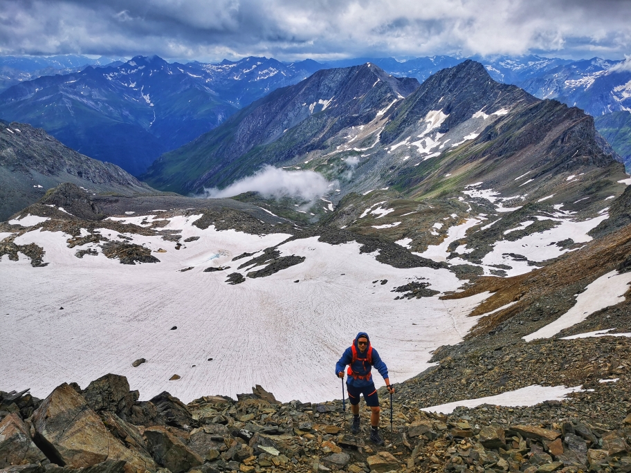 Aufstieg zur Weißspitze mit Gletscherblick