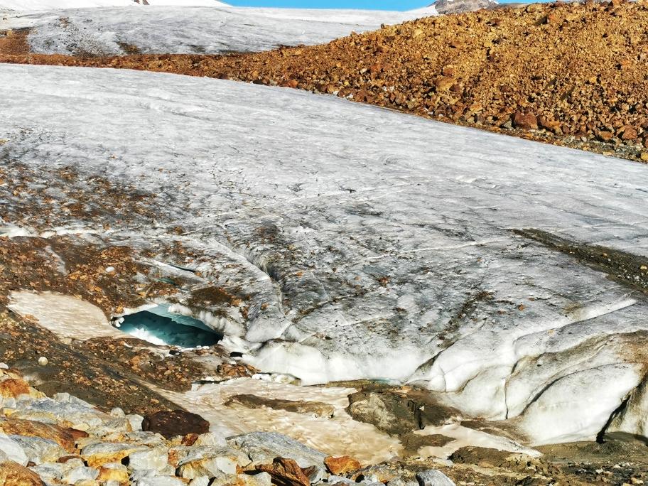 Wir erreichen den Gletscher und Seilen uns an