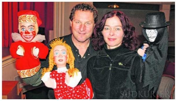 Das traditionelle Puppentheater ist seit über 20 Jahren in Stuttgart und ganz Deutschland zu bestaunen, der Puppenspieler begeistert mit seinen Handpuppen und Figurentheater alle Generationen und ist ein Garant für Spaß. Puppentheater Stuttgart!