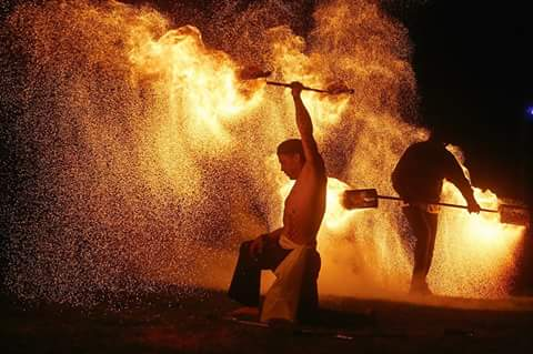 Feuerwerk in ganz Stuttgart buchen, Feuerwerk für Hochzeit und Geburtstag sowie Firmenfeier der kategorie 2, für Feuerwerk eine Genehmigung beantragen ist sehr mühsam und oft wird es abgelehnt! , Ausnahmegenehmigung ist nicht immer möglich und unerwünscht