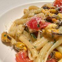 ムール貝とチェリートマトのカサレッチェ