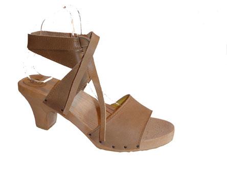 sandale d'été talon bois semelle compensée cuir taupe modèle Eléa pour femme