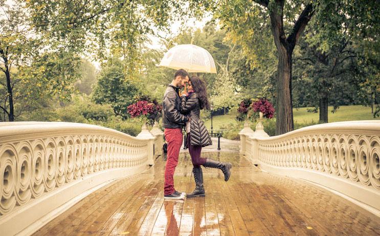 """Gefühle wie """"Verliebt sein"""" und die Liebe brauchen manchmal Gewissheit. Denn Liebe macht blind... Beruht sie auf Gegenseitigkeit? Finden Sie es heraus! Analyse und Paarberatung in Solingen, Hilden, Haan, Mettmann, Düsseldorf, Langenfeld, Wuppertal"""
