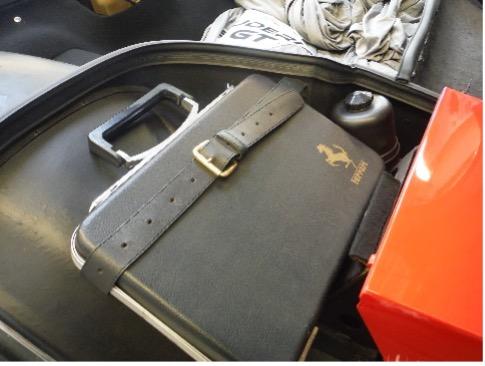 Ferrari BB: Original Koffer mit Bordwerkzeug, wie er zum Lieferumfang gehörte