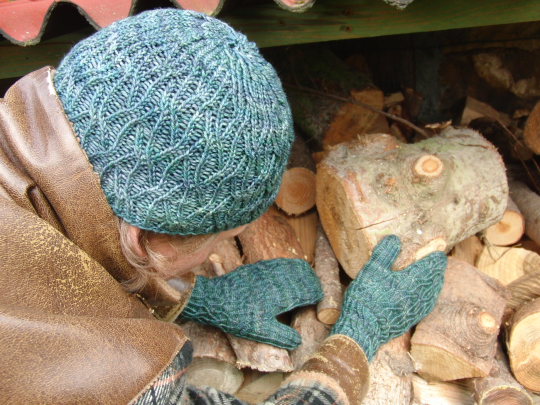 Flowing Mittens and Hat in Malabrigo Arroyo