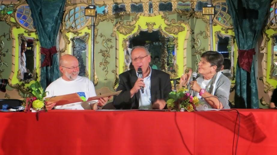Signature du protocole d'amitié par Odile Marminat et Jean-Pierre Bucher...