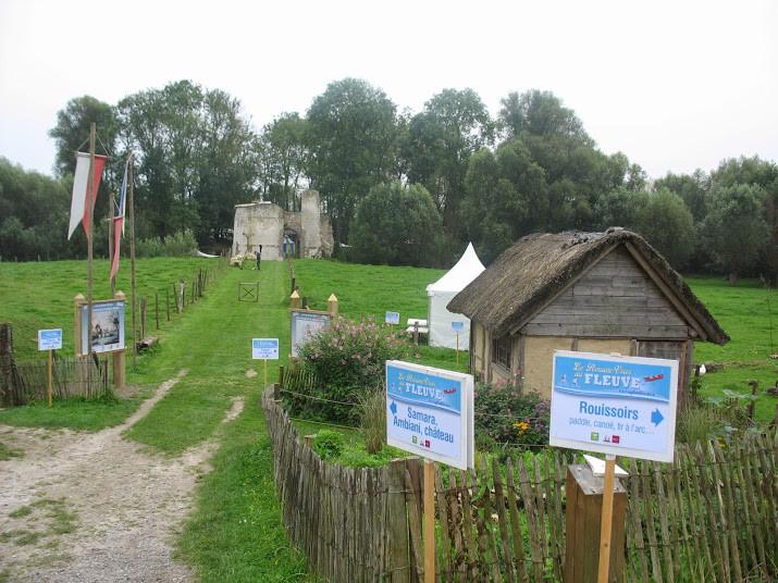 Le château médiéval d'Eaucourt-sur-Somme