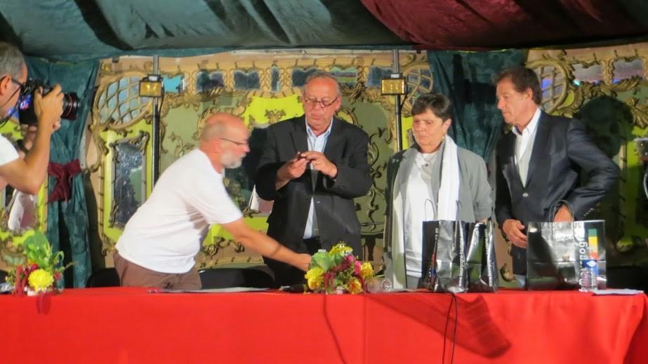 ... en présence de M. Manable, Président du Conseil Général de la Somme, et d'Henri Sannier, Maire d'Eaucourt