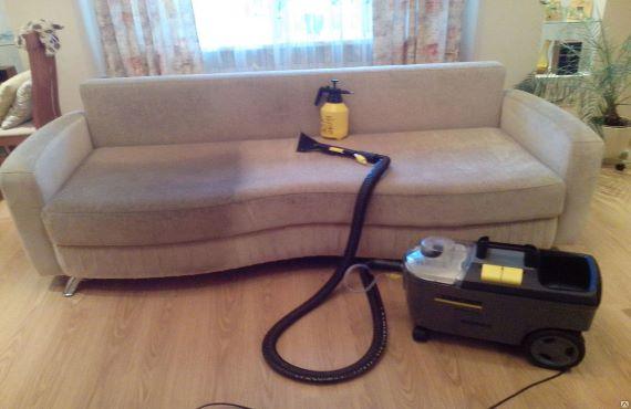 разница на диване до и после проведения химчистки