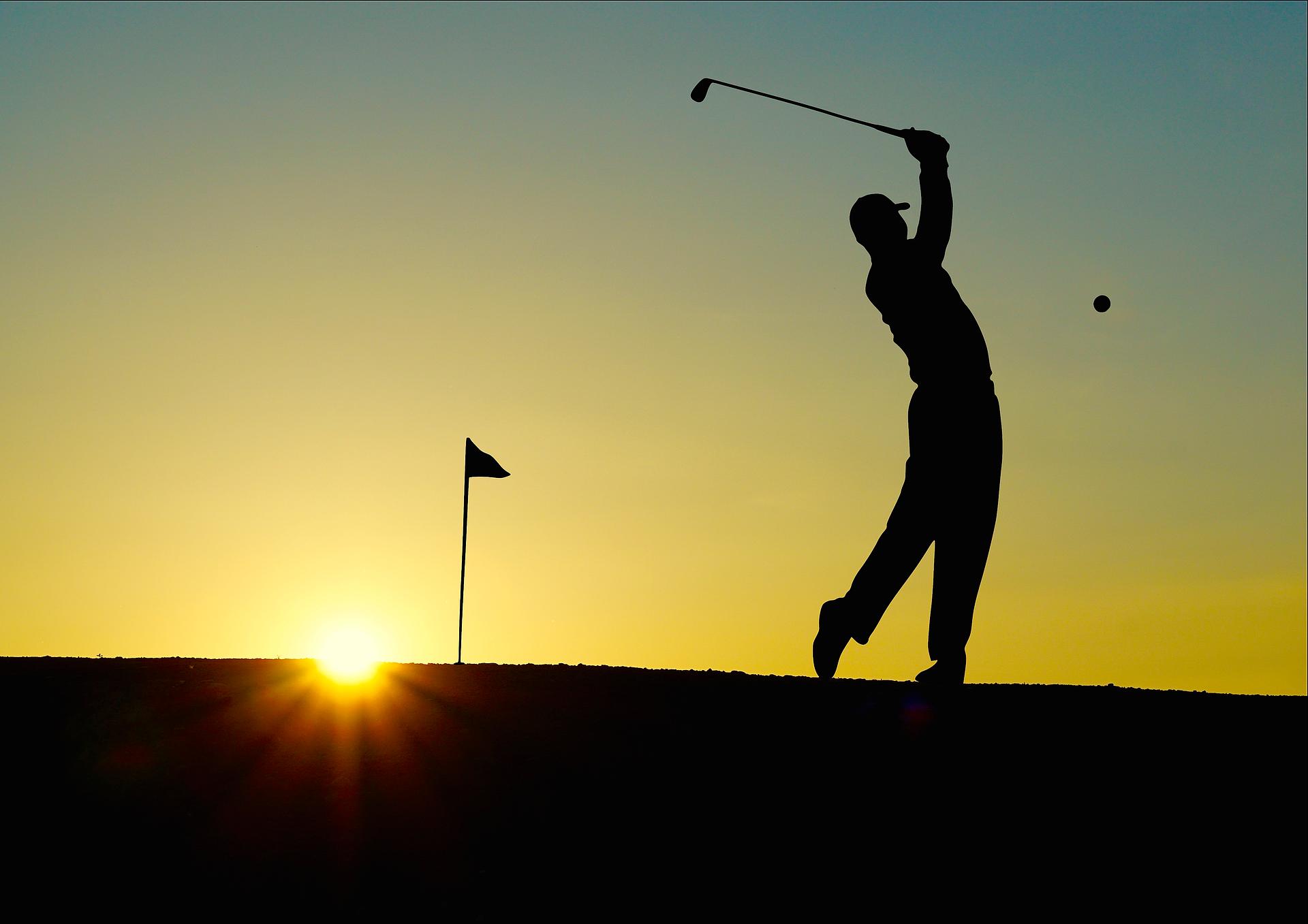 誰よりも早くゴルフ場に着いて練習する人はやや暗い人!