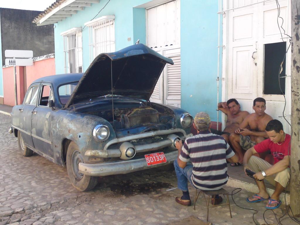 Wer sein Auto liebt ...  in Trinidad
