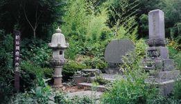 松井須磨子生家そばの演劇碑と墓・長野市松代町