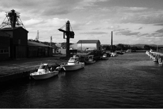 六渡寺の運河と小船