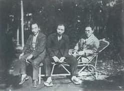 大正15年当時の(左から)今野賢三、金子洋文、小牧近江