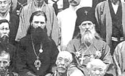 来日間もないセルゲイ・チホミーロフ(左)とニコライ・カサトキン(右)
