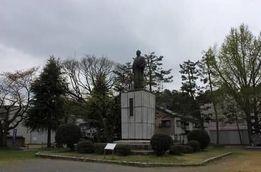 橋本左内銅像