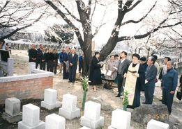 ロシア人墓地での慰霊祭