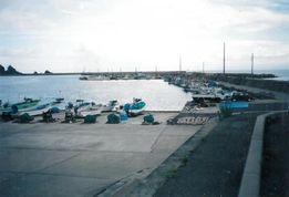 日本海に浮かぶ粟島