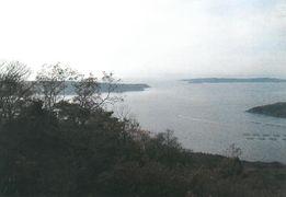 御番所公園からの眺望(右に網地島、左に田代島)