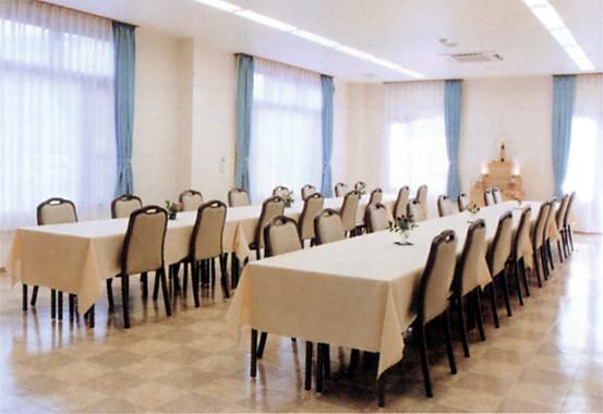 食事室 最大70席まで可能