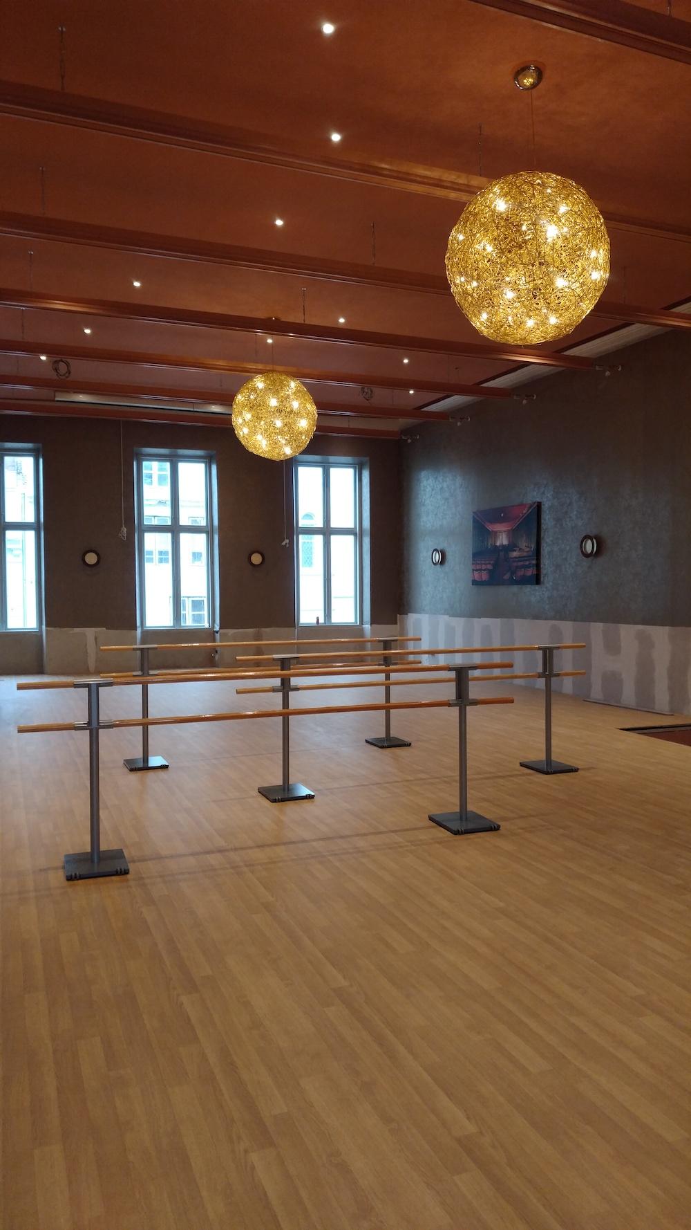 2.11.2020 - die Ballettstangen sind aufgebaut (Foto © ich :-) )