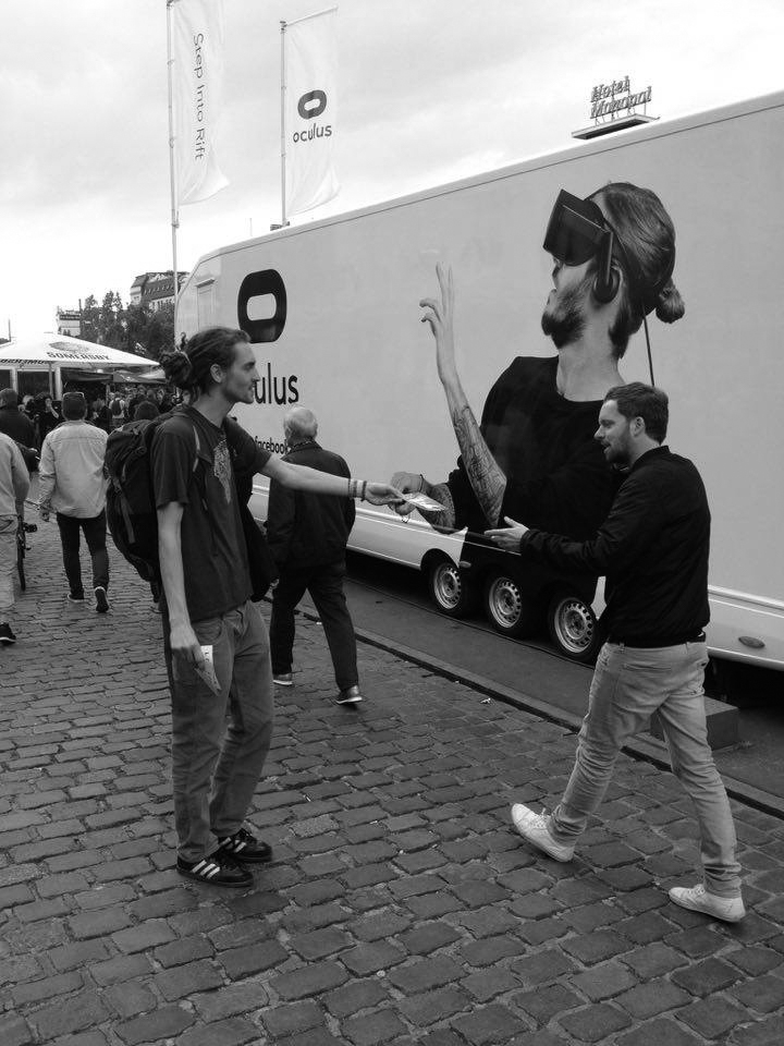 Reeperbahnfestival - Hand zu Hand - Verteilung