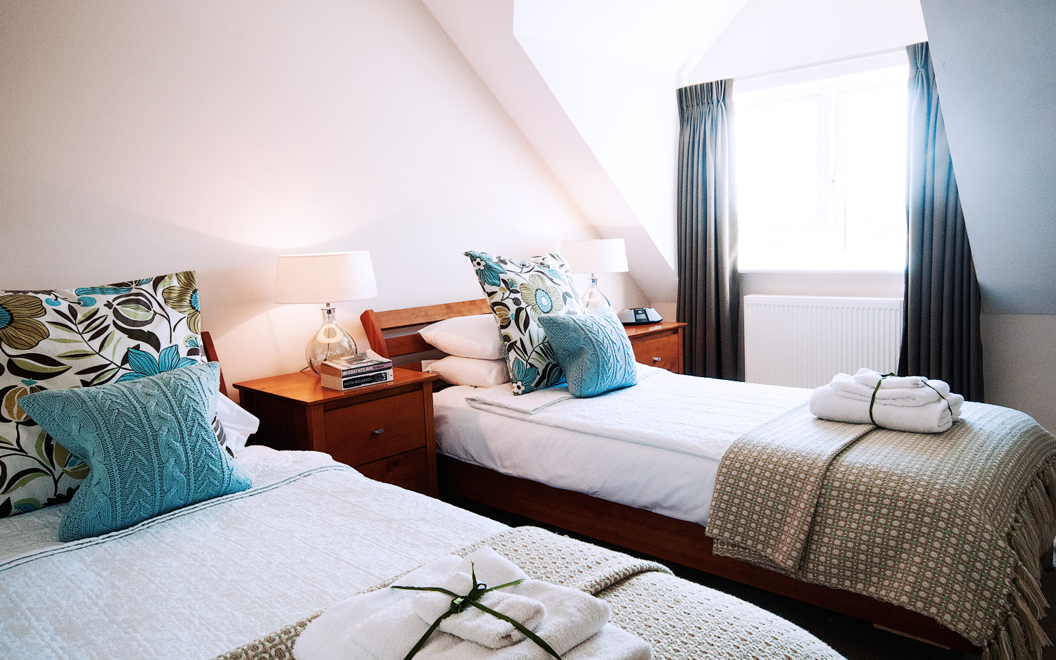 Cozy two beds, tastefully decorated, comfortable bed and breakfast