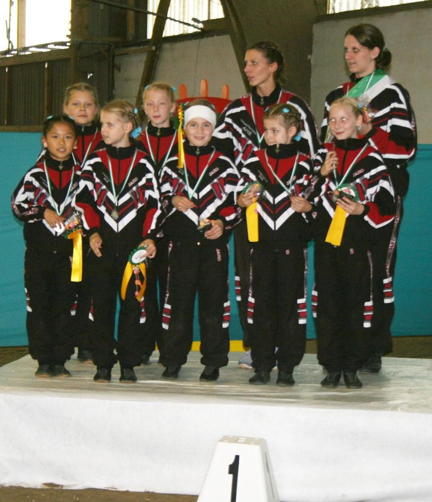Das sind unsere Gold-Mädels ... die Lindenhof III ... leider ohne die Zwillinge Kristin und Julia und ohne Sofia.