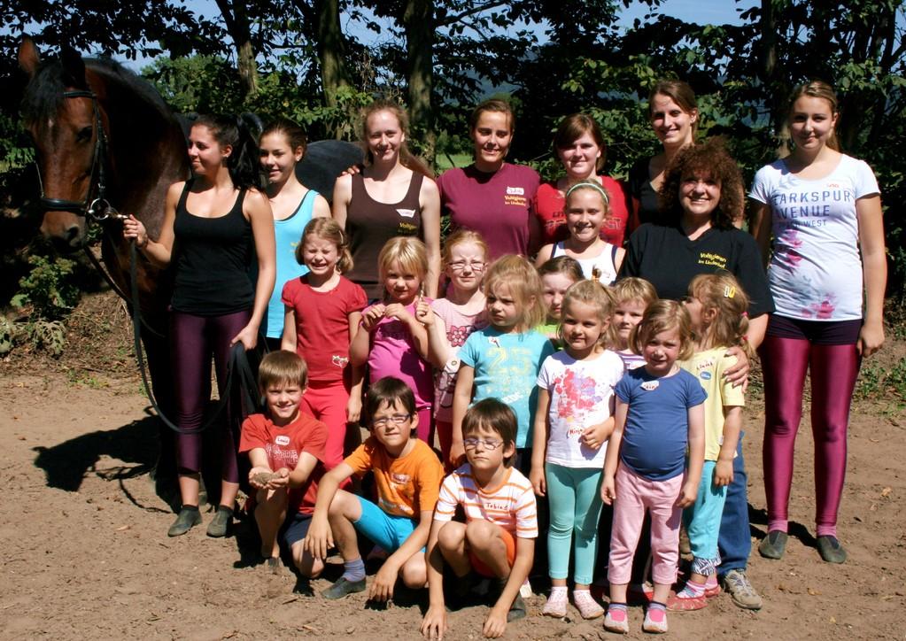 Die Schupper-Kinder ... tapfer in die Sonne geblinzelt