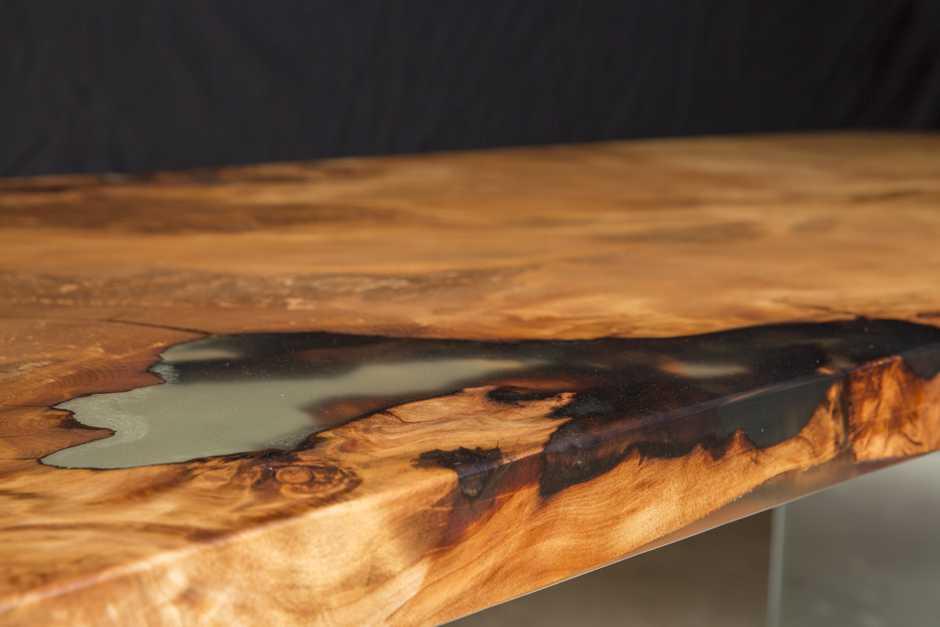 Wertvoller Kauri Wurzeltisch, einzigartige Unikat aus altem Holz, besondere Geldanlage seltenes Einzelstück, Holztisch mit organischen Naturkanten