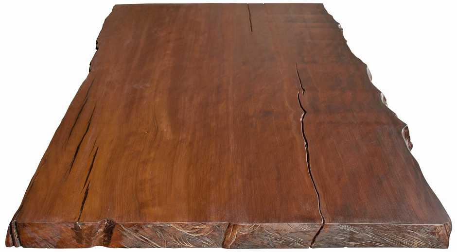 Holztisch mit Tischplatte aus Kauri Baum mit seiner unverfälschten Schönheit und Ursprünglichkeit, individueller Holztisch mit natürlichen Baumkanten
