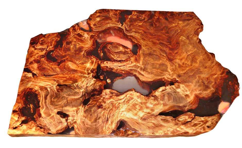 Designer Wurzelholz Couchtisch, unvergleichlicher Holztisch mit kunstvoller Tischplatte aus Kauri Holz ein Stück, unnachahmliches Unikat mit Epoxidharz Füllung, exklusiver Tisch