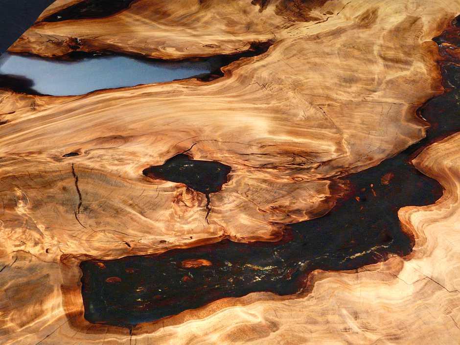 Kauri Designtisch, hochwertiger Holztisch, wertbeständiger Natur Esstisch mit langlebigen Epoxidharz, einzigartiges Wurzelholz, exklusive Qualitäts Tischplatte