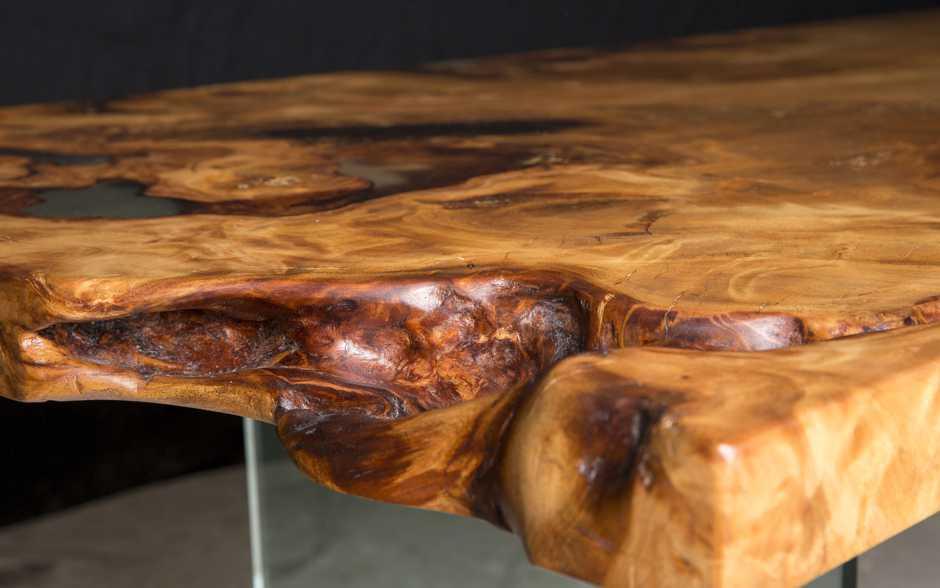 Kauri Wurzeltischplatte mit organischen Naturmerkmalen, seltener Original Wurzel Holztisch, Geldanlage Kunstobjekt, kostbare Möbel und Tische