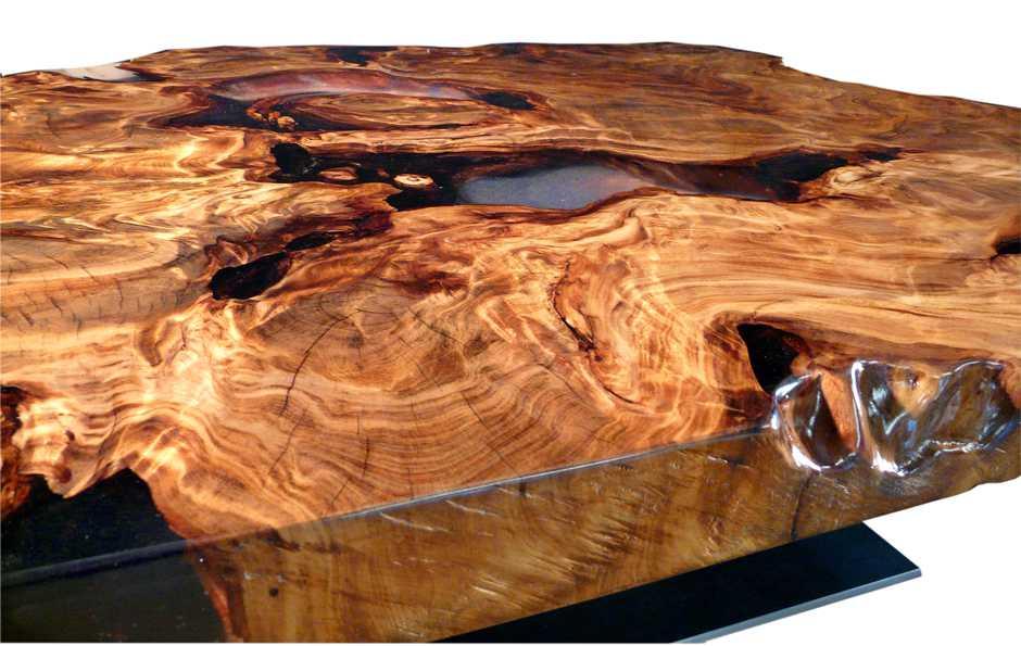 Hochwertiger Holztisch, Designer Couchtisch aus wunderschönem Kauri Wurzelholz, natürliches Kunstwerk mit Epoxidharz, exklusiver Tisch besonders feuchtigkeitsresistent