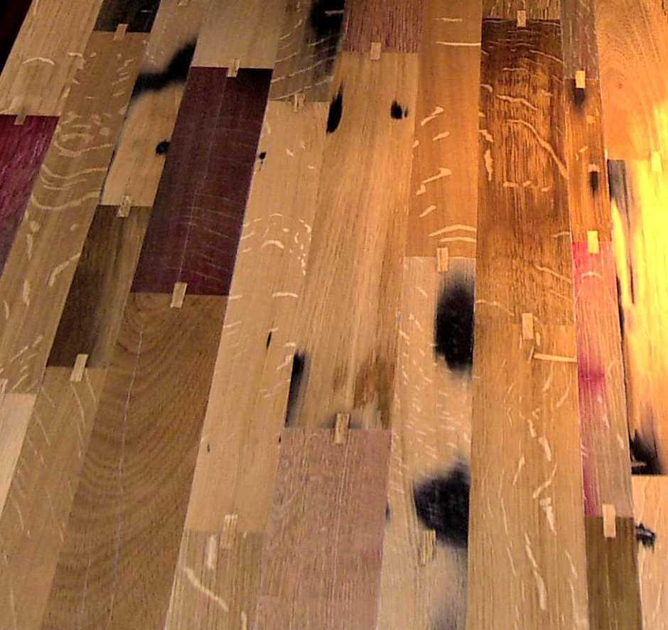 Exklusiver Esstisch und Weintisch, außergewöhnlicher Massivholztisch aus alten Rotweinfassdauben, hochwertiger Holztisch besonders widerstandsfähig, Massivholz Tischplatte handgefertigt