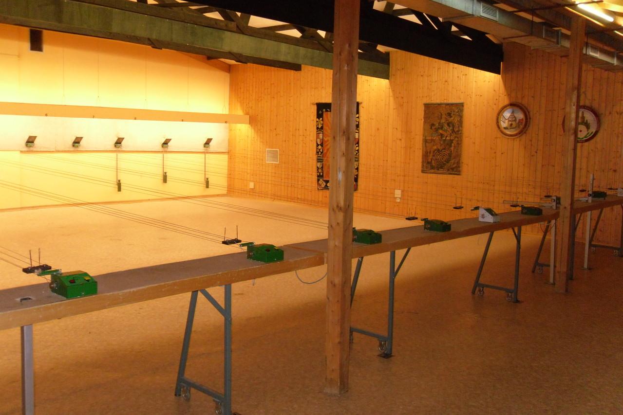 Luftdruckwaffenhalle rechts