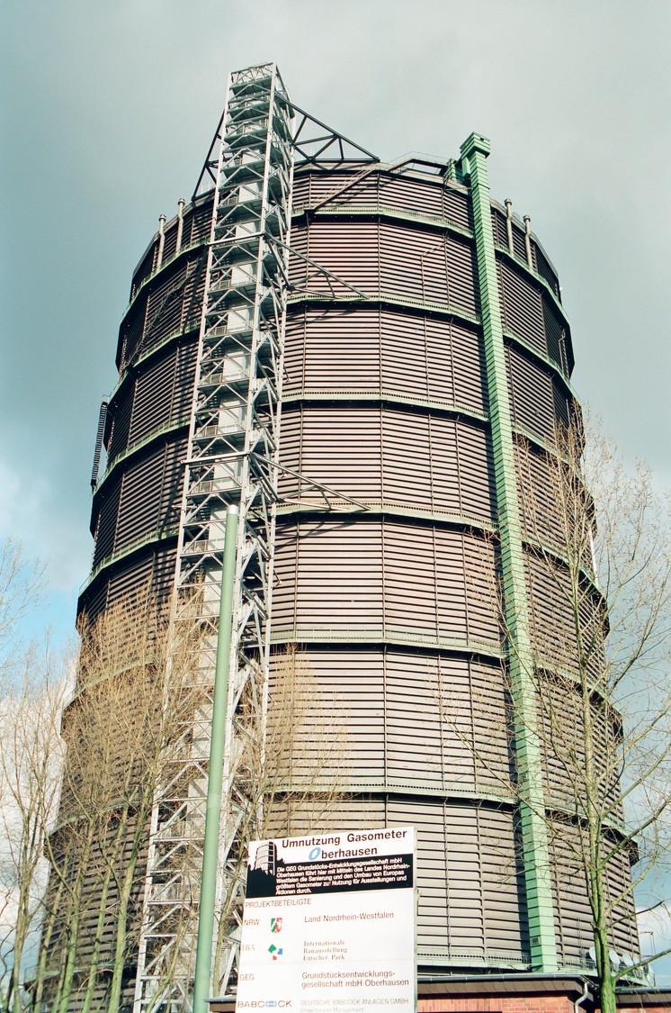 Der Gasometer Oberhausen wird zwanzig Jahre, ein Geburtstagsgruss