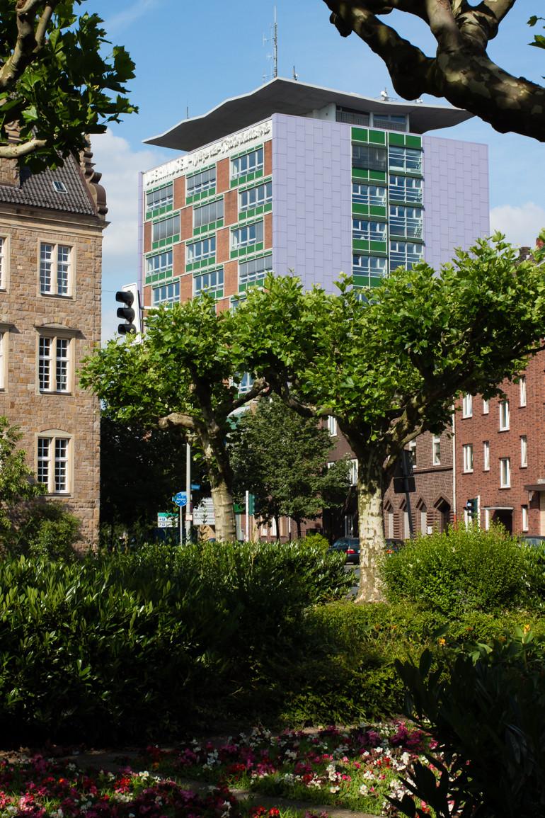 Oberhausen, die Wiege der Ruhrindustrie steht an der Attika des Hans Böckler Berufskollegs