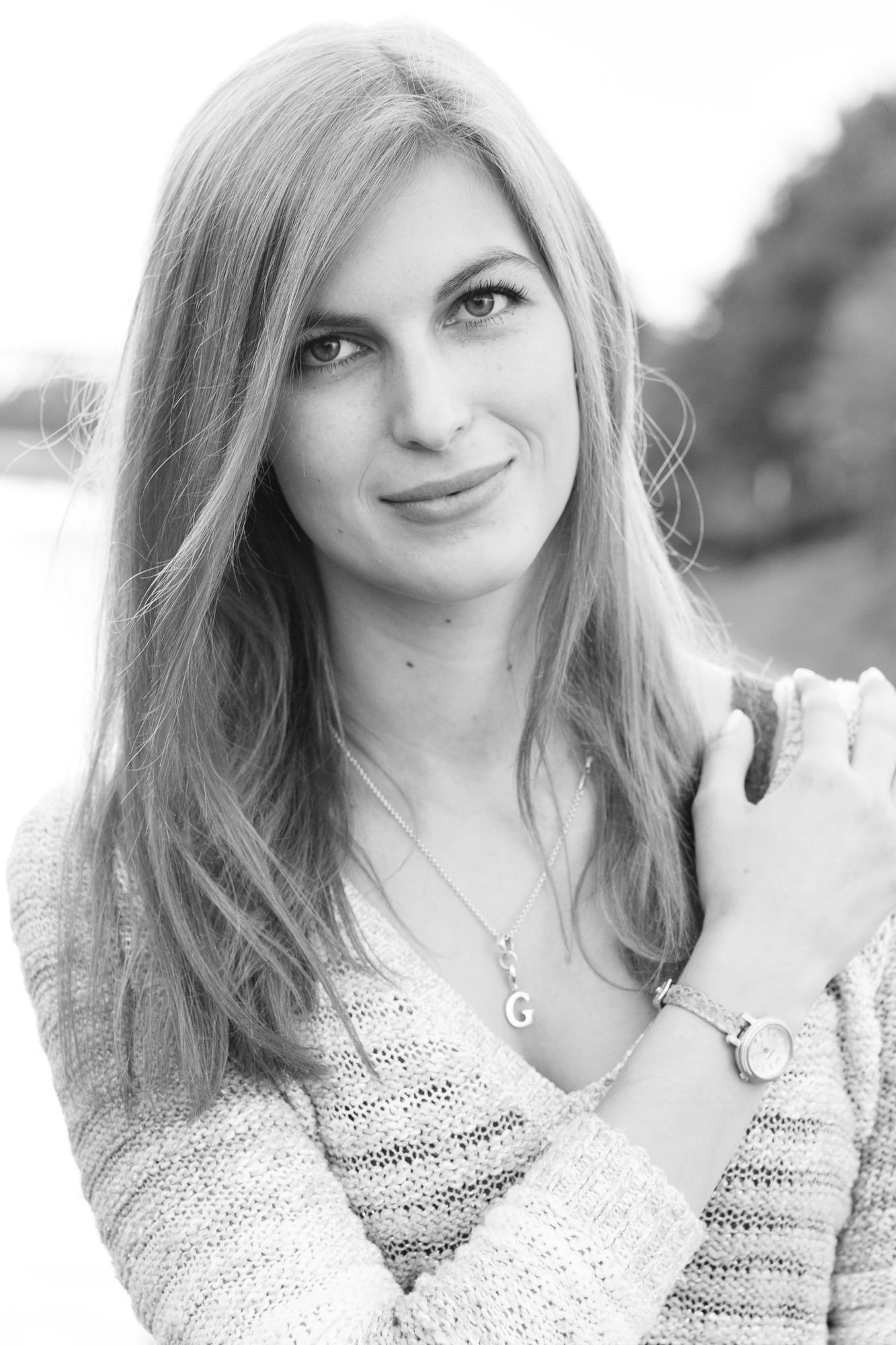 Gina, Schwarz-Weiss Portrait