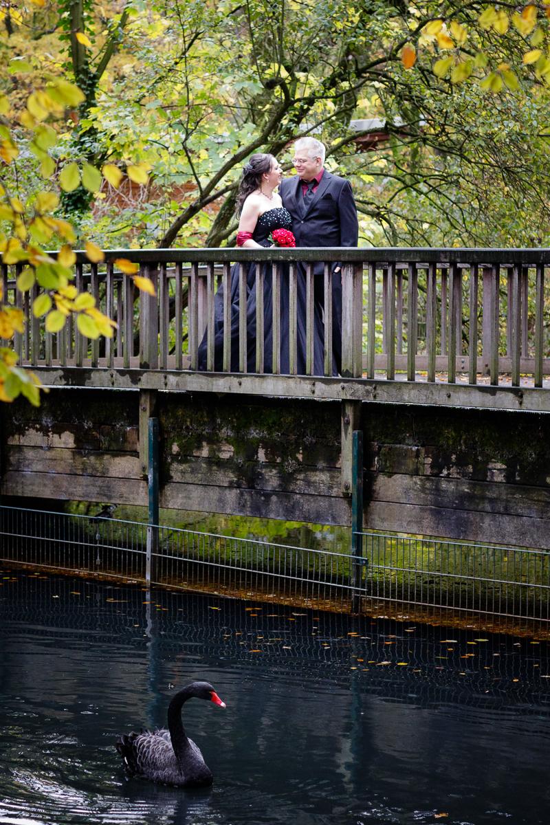 Hochzeit in scharzem Brautkleid, Kaisergarten Oberhausen