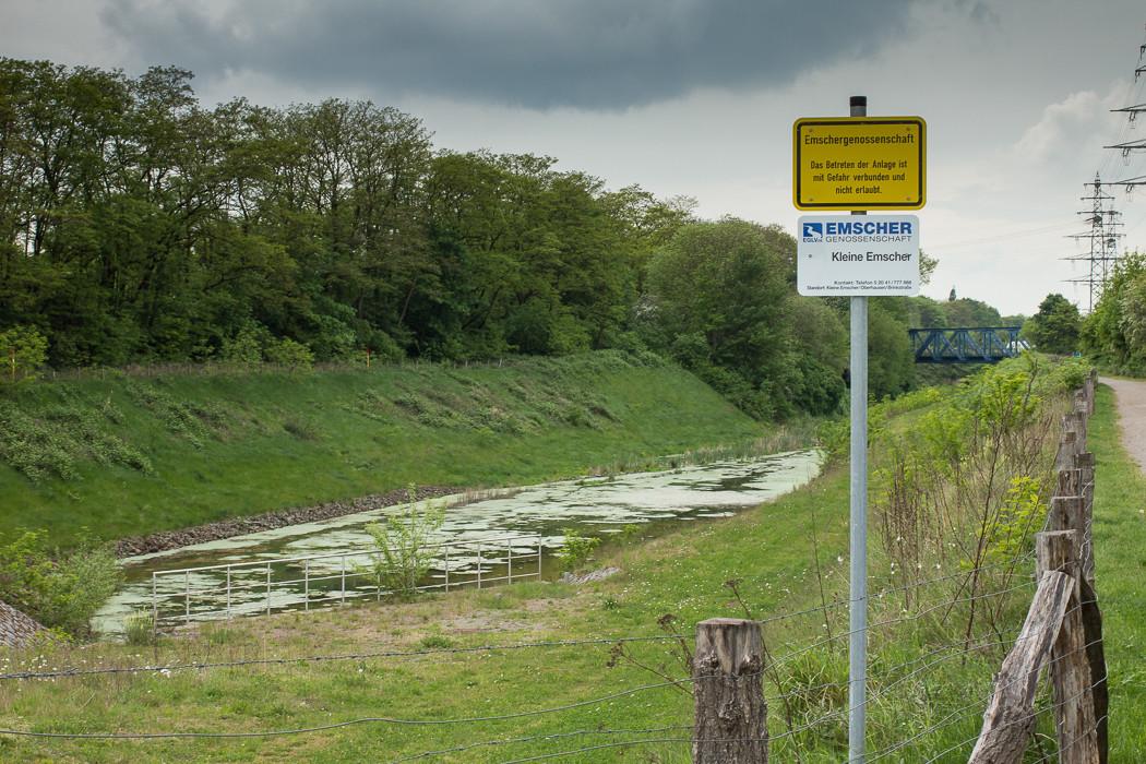 Die Kleine Emscher in Oberhausen Buschhausen renaturiert.