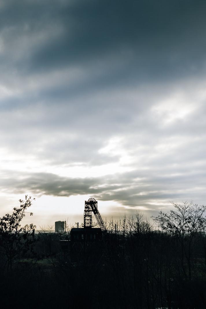 Winterlicher Sonnenaufgang | Zeche Sterkrade und Gasometer Oberhausen