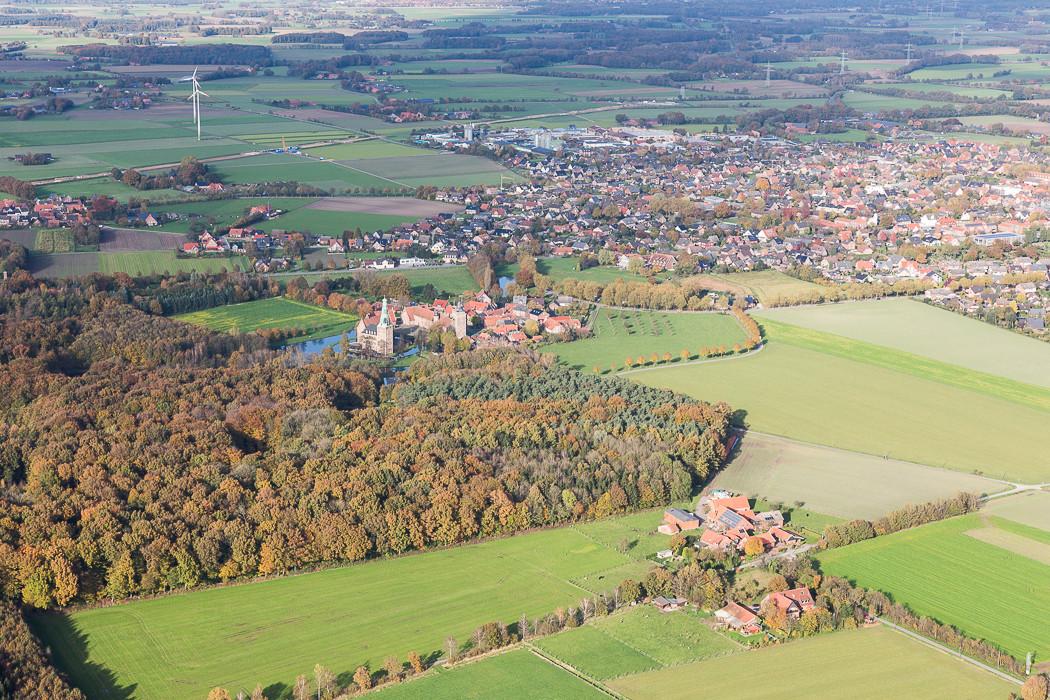 Mit dem Heißluftballon vom Niederrhein nach Westfalen, Schloss Raesfeld, Raesfeld