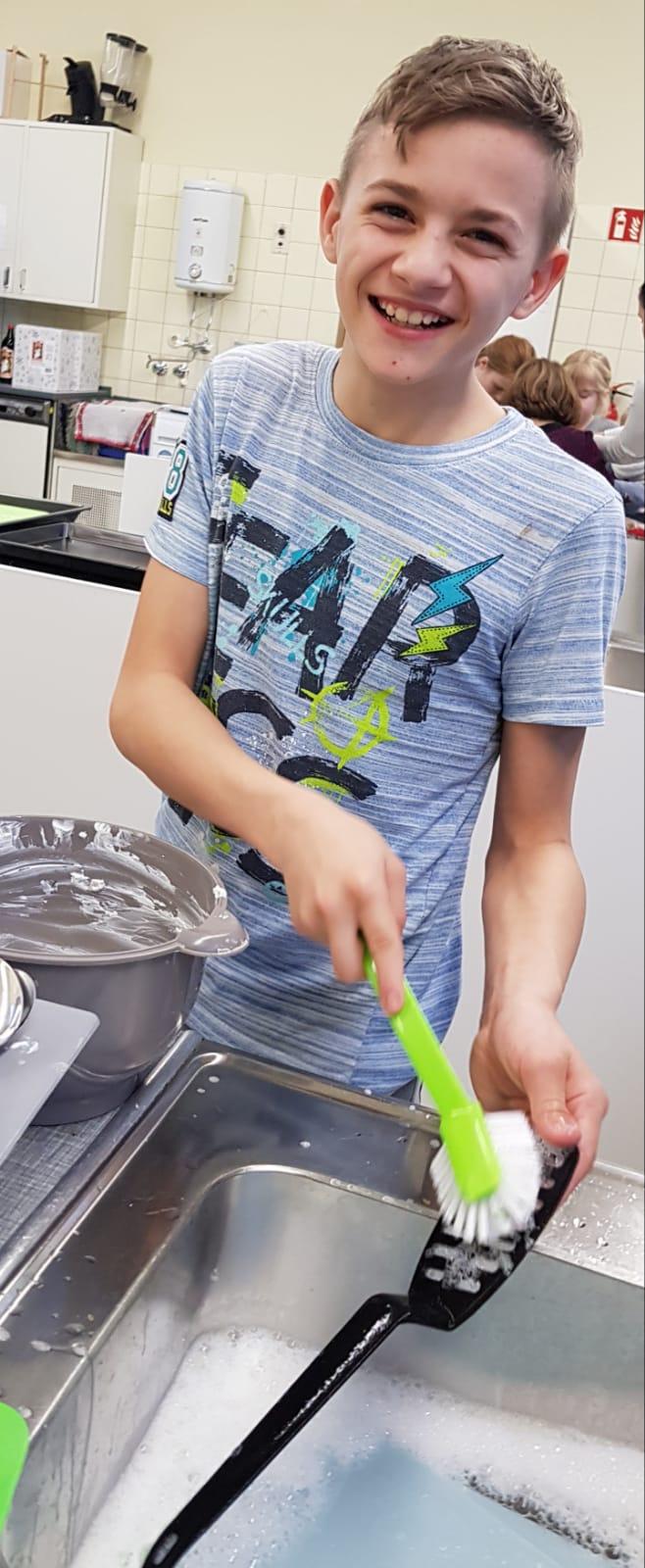 Bei so viel Vorfreude auf die leckeren Snacks machte sogar der Abwasch Spaß
